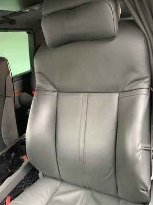 Seats_BMW7_E65-Volkswagen_Multivan_d06