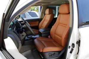Seats_BMW_X6_E71-Toyota_Land_Cruiser_200_d02