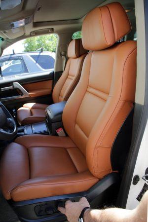 Seats_BMW_X6_E71-Toyota_Land_Cruiser_200_d04