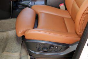 Seats_BMW_X6_E71-Toyota_Land_Cruiser_200_d06