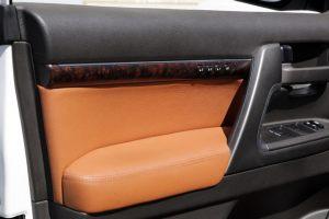 Seats_BMW_X6_E71-Toyota_Land_Cruiser_200_d10