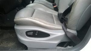 Daewoo_Lanos-seats_BMW_X5_E53_d03