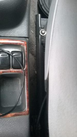 Daewoo_Lanos-seats_BMW_X5_E53_d07
