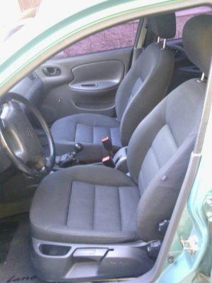 Daewoo_Lanos-seats_Skoda_Octavia_A5-02_d01