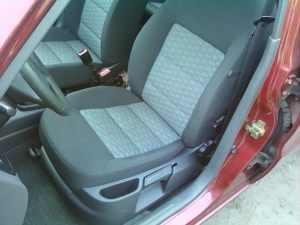 Daewoo_Lanos-seats_Skoda_Octavia_A5-04_d01