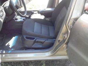 Daewoo_Lanos-seats_Skoda_Octavia_A5-06_d01