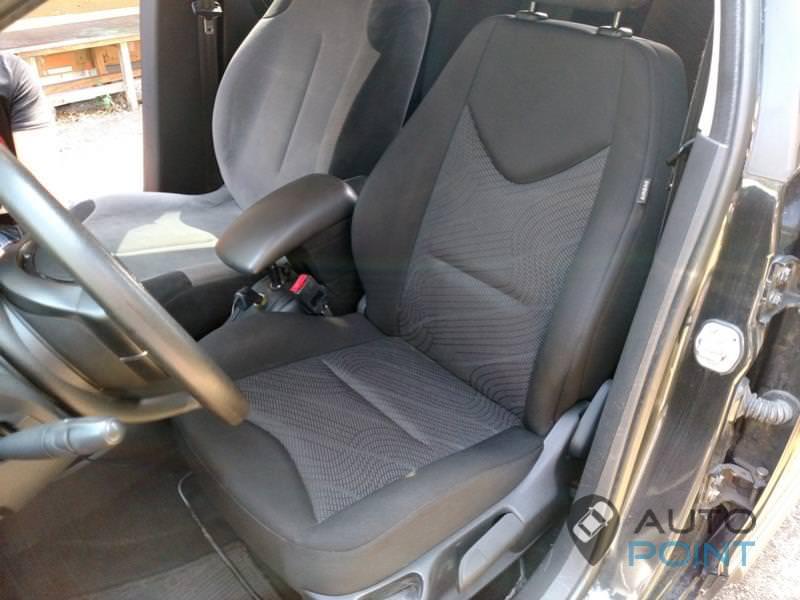замена сидений безе переделок на Citroen C4